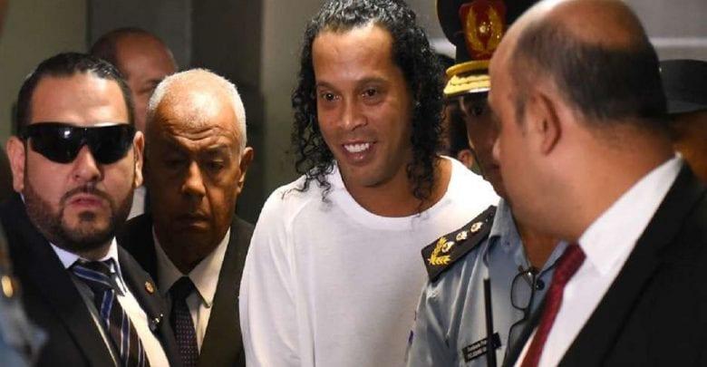 Ronaldinho et son frère libérés de prison au Paraguay, mais…