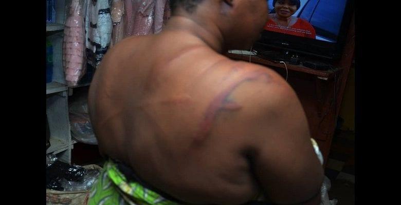 Une femme brutalisée par la police pour non-respect des règles de confinement (vidéo)