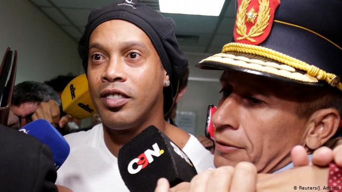 Après la fin de sa détention provisoire, Ronaldinho raconte ses déboires et annonce ses futures activités
