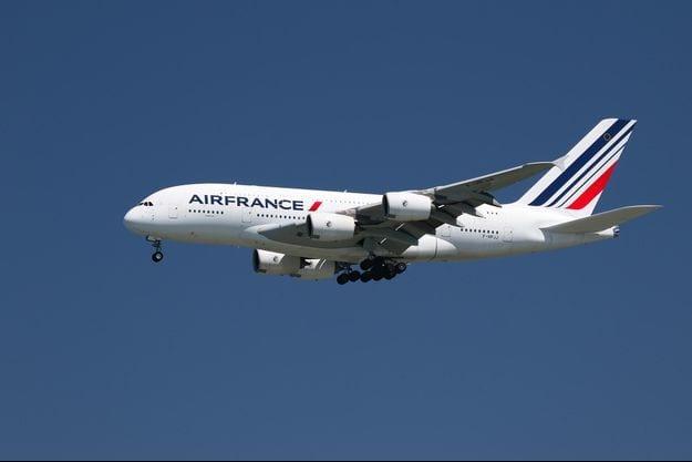 Air France s'est engagée à réduire de 50% ses émissions de CO2, selon Elisabeth Borne