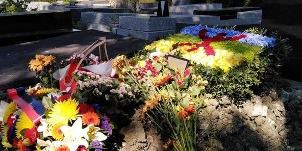 Algérie : le chanteur Idir repose au cimetière parisien du Père Lachaise