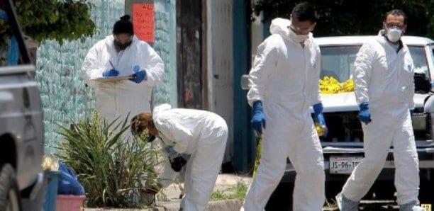 Au moins 25 cadavres découverts dans une fosse au Mexique