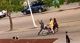 Bénin : deux policiers arrêtés après avoir agressé un Zémidjan