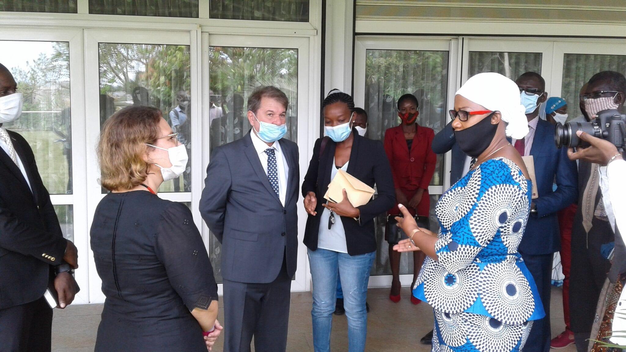 Côte d'Ivoire : don d'un groupe ivoiro-turc à une ONG pour assister les personnes vulnérables