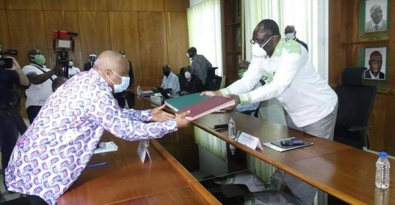 Côte d'Ivoire : Le PDCI-RDA et le FPI signent un accord carde pour la réconciliation et la paix dans le pays.