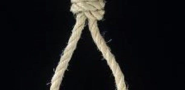 Condamné à mort par pendaison via Zoom