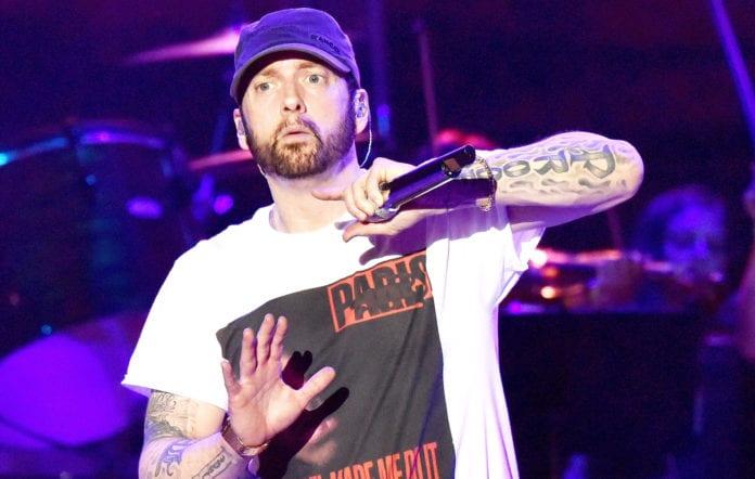Eminem propose de lui envoyer des textos : il y répondra