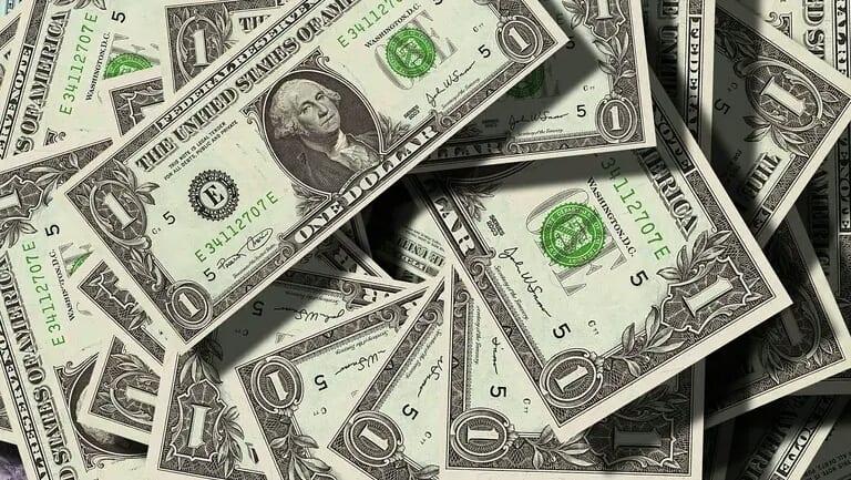 Etats-Unis : Ils trouvent un million de dollars en liquide, la suite va vous étonner