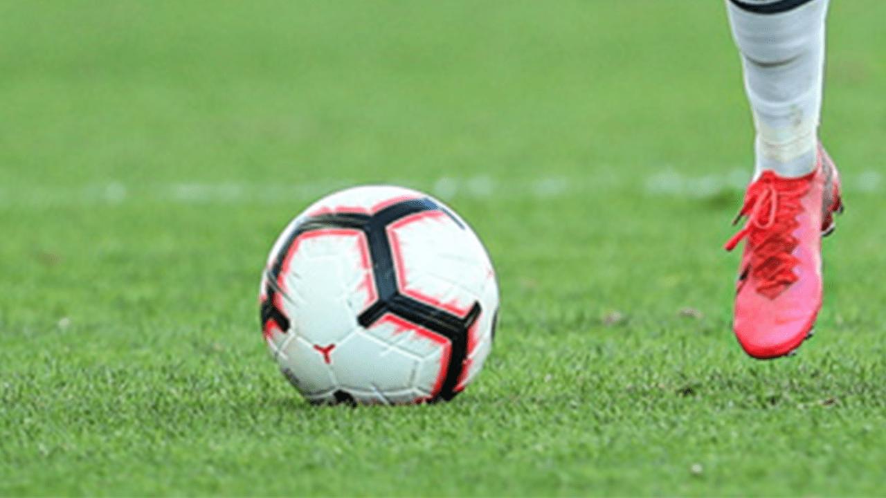 France: Une centaine de jeunes surpris en train de jouer au football