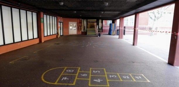 France: la réouverture des écoles contestée malgré un protocole très strict