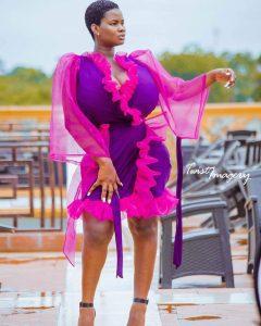 Ghana : Pamela Obame possède les plus gros seins du pays ( photos )
