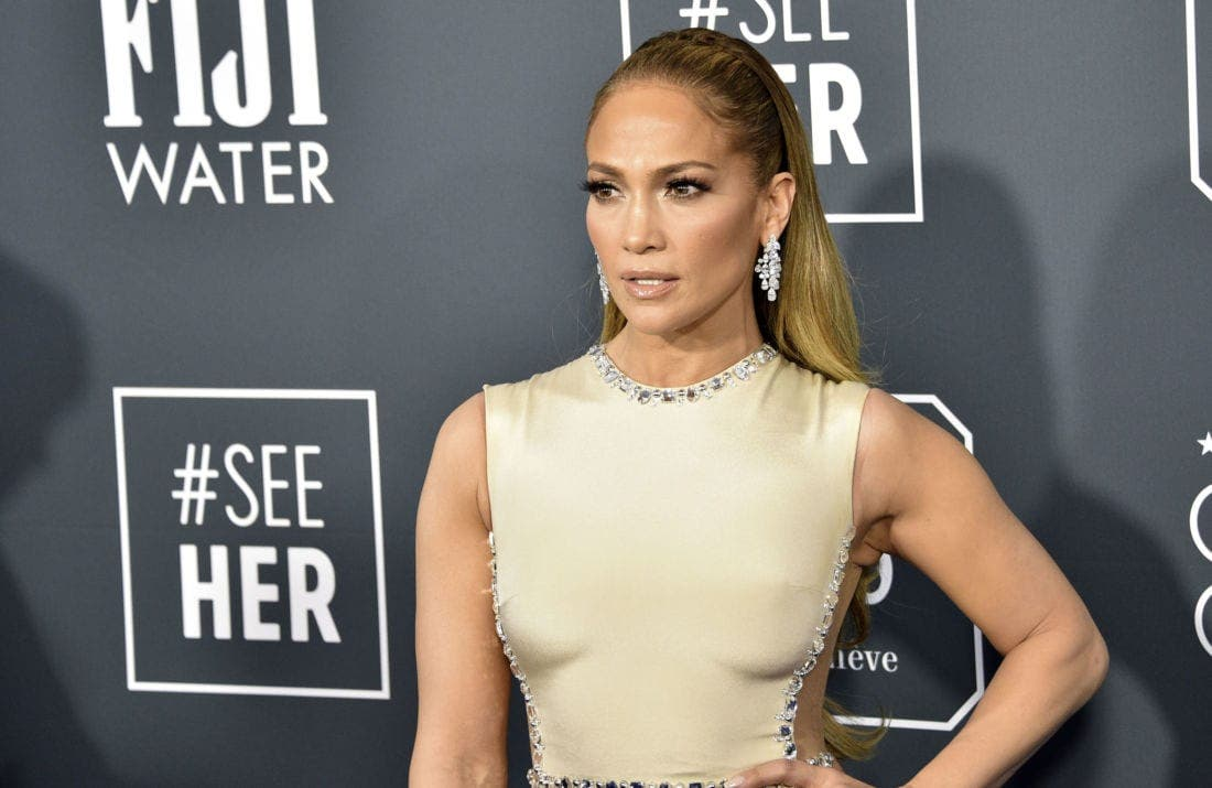 Jennifer Lopez : la star dévoile sa silhouette bien musclée et sculptée (photo)