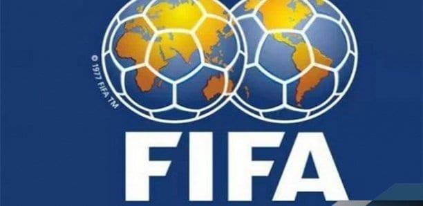 Football : la FIFA autorise cinq remplacements par match