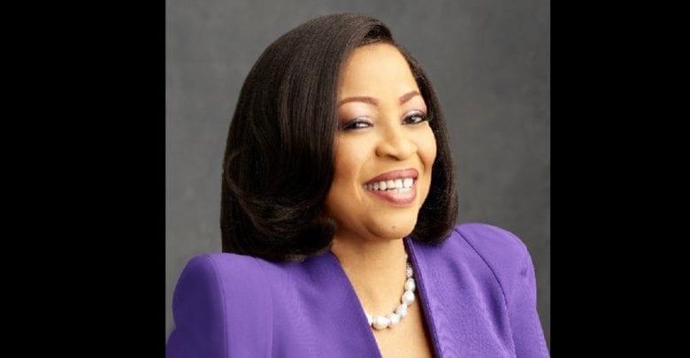 """""""Le succès ne vient pas du jour au lendemain"""" – Folorunso Alakija, la femme la plus riche du Nigeria"""
