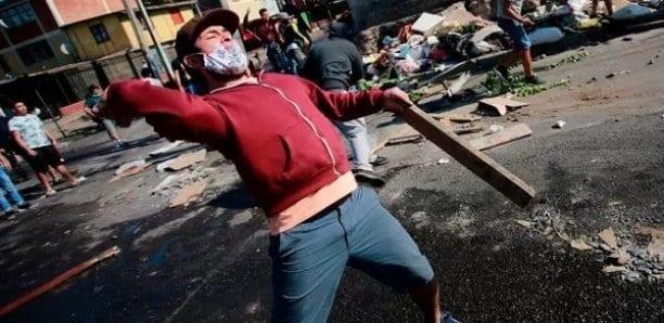 Manifestation violente causée par la faim au Chili