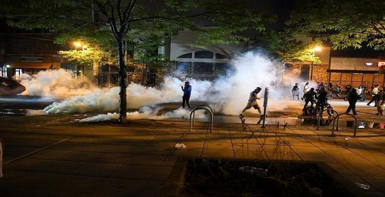 Meurtre de George Floyd : des manifestations violentes se multiplient à Minneapolis -Vidéos