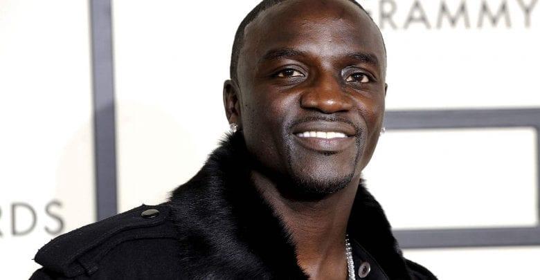 Voici quelques photos de Akon entouré de ses enfants