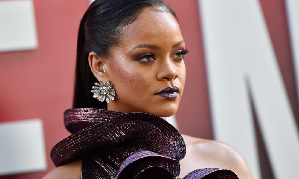 Rihanna célèbre les quinze ans de la sortie de son premier single