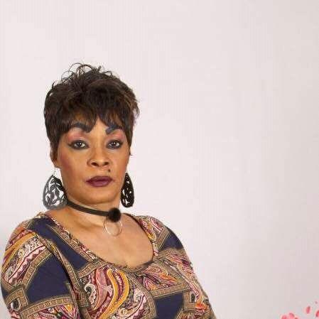 Tina Glamour invite la Yorogang à se calmer