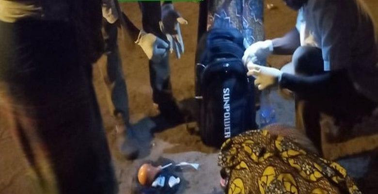 Une femme accouche en pleine rue à Conakry à cause du couvre-feu