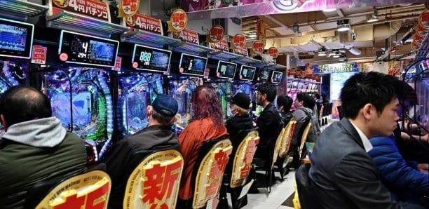 Au Japon, la passion du jeu plus forte que la peur du coronavirus