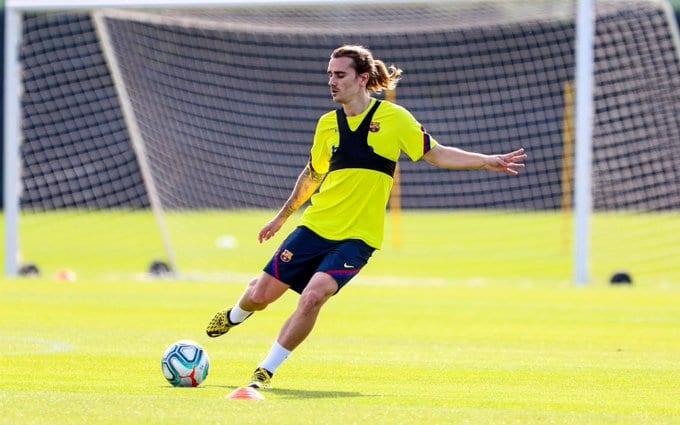 Messi, Griezmann et les stars de Barcelone reprennent l'entraînement (Vidéo)