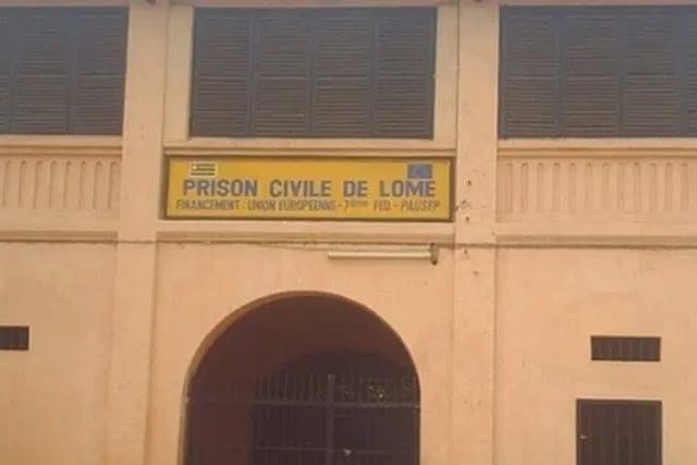 Scène de révolte à la prison civile de Lomé, une clôture déjà tombée