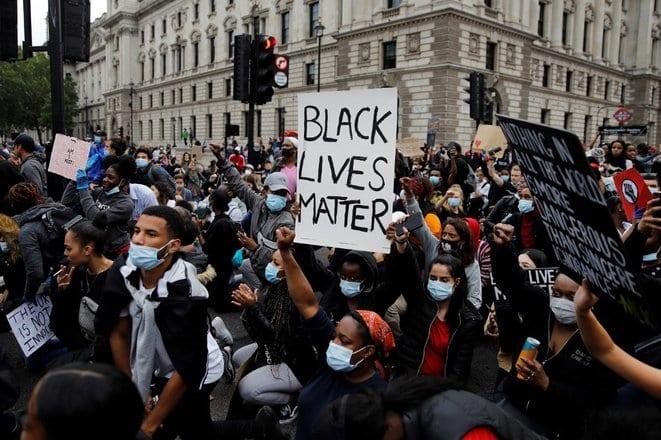 Dans le monde, une même colère au-delà des cas particuliers de violences policières