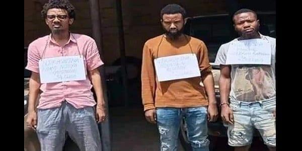 """Cameroun- cybercriminalité: les 3 faux """"Samuel Eto'o"""" enfin mis aux arrêts."""