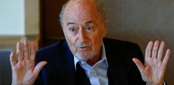 Fifa: Une enquête visant Blatter classée par la justice
