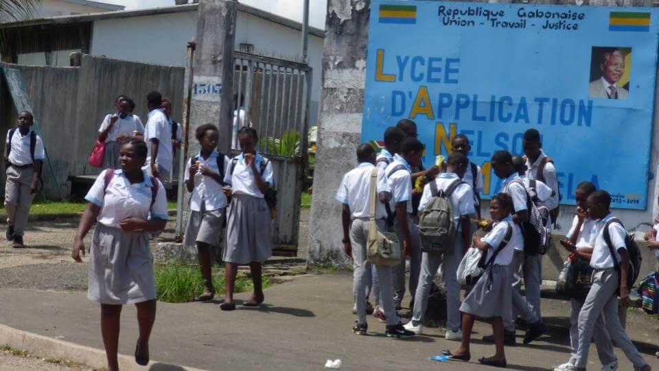 Gabon: réduction des effectifs, désinfection des salles de classe et transport gratuit des élèves pour la reprise des cours