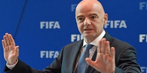 George Floyd : face aux hommages de certains footballeurs, la FIFA envoie un message aux fédérations nationales