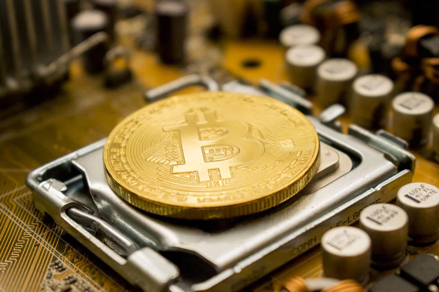 Angleterre : Il jette son disque dur avec 200 millions d'euros en bitcoins