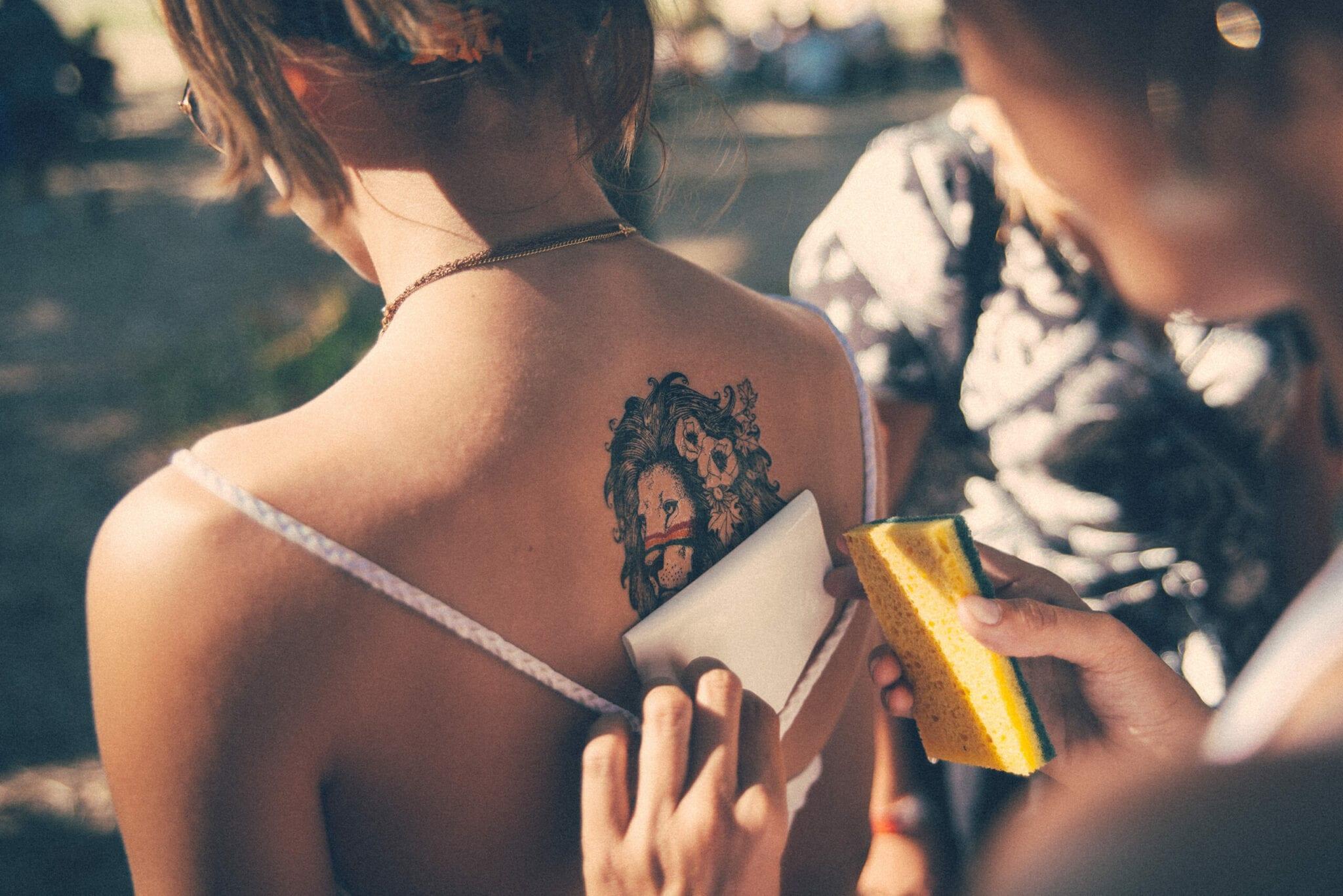 Que dit la Bible sur le tatouage ?