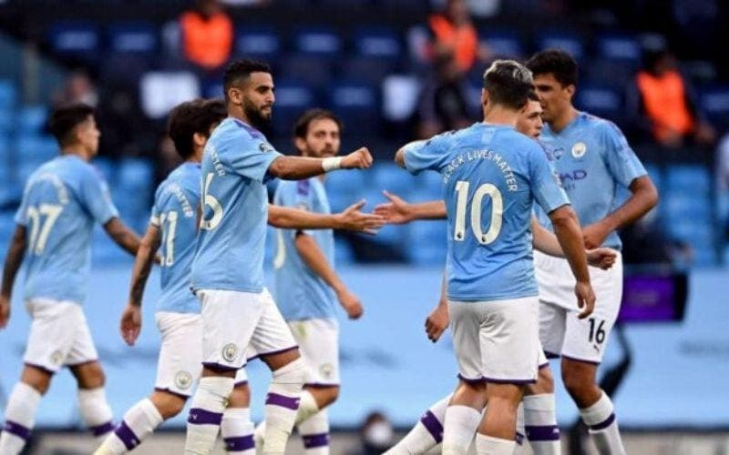 MANCHESTER CITY DÉROULE CONTRE BURNLEY ET RETARDE LE SACRE DE LIVERPOOL