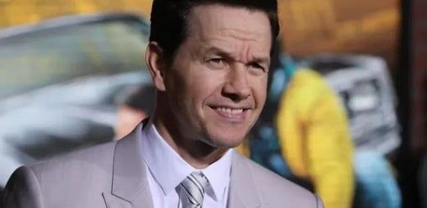 Mark Wahlberg rend hommage à George Floyd, son passé raciste lui revient en pleine tête