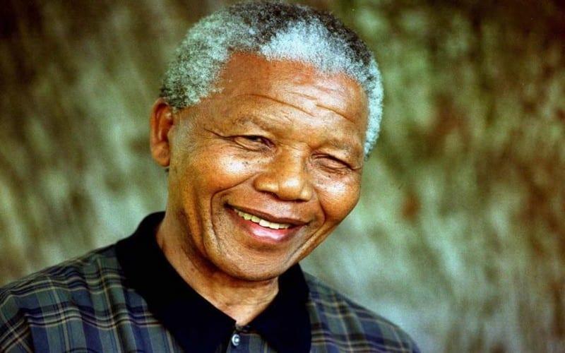 Voici ce que Nelson Mandela a fait au soldat qui urinait sur sa tête en prison