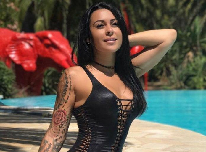 Shanna Kress : la bombe s'est affichée topless avec un body painting ultra sexy !