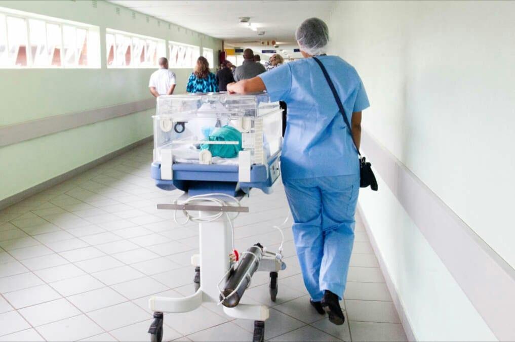 USA : Une infirmière aurait transmis le Covid-19 à 750 afro-américain pour se venger