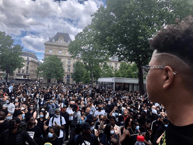 Violences policières: suivez en direct les manifestations en France