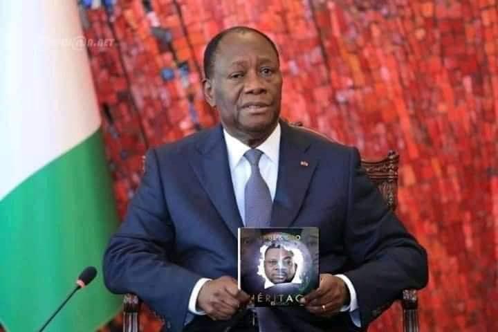 Une photo d'Alassane Ouattara avec l'album de Yodé et Siro tourmente la toile