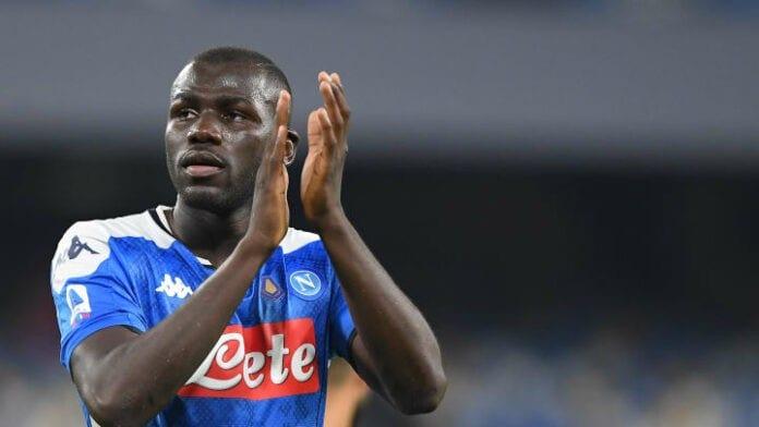 Koulibaly reste fidèle à Naples: «Les équipes me cherchent mais je suis toujours là»