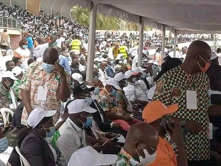 Obsèques de Amadou Gon Coulibaly: Polémique autour de la foule immense présente en pleine épidémie