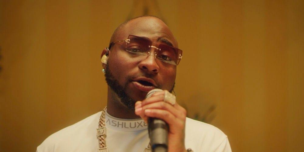 Davido interprète ses chansons «D&G» et «Fall» (vidéo)