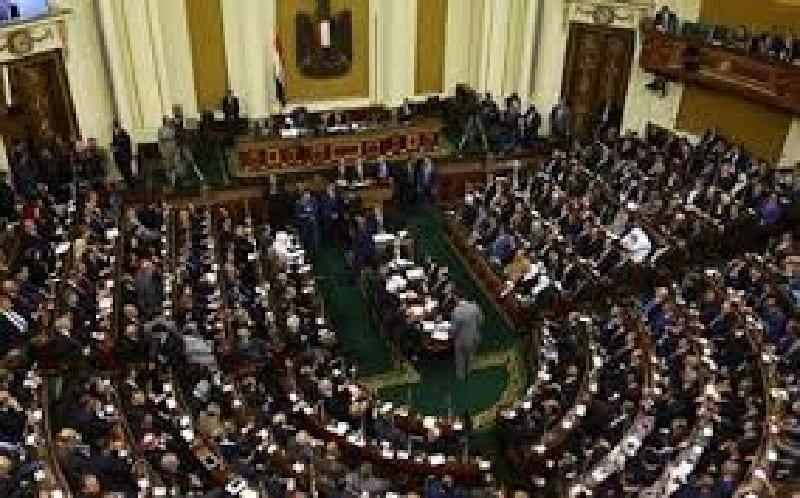 ÉGYPTE : LE PARLEMENT ACCORDE AU PRÉSIDENT LE DROIT D'ENVOYER DES TROUPES EN LIBYE