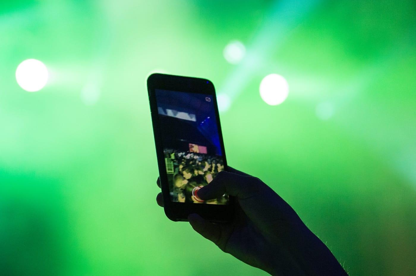 EN PLUS DES SMARTPHONES, PLUSIEURS ORDINATEURS, TABLETTES ET MONTRES CONNECTÉES SONT DÉSORMAIS CONCERNÉES PAR L'INDICE DAS