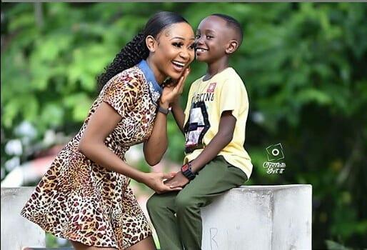 Ghana : L'actrice  Akuapem Poloo après  avoir montré sa nudité à son fils sera interrogée par la police