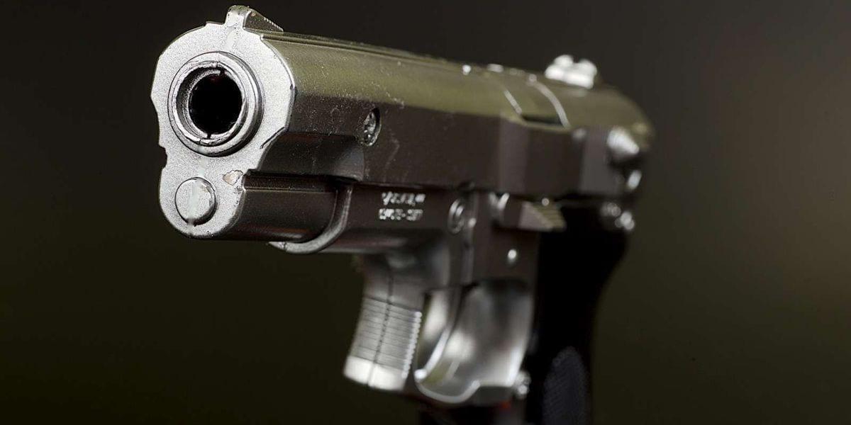 USA : il braque son arme sur un client qui lui demande de porter son masque