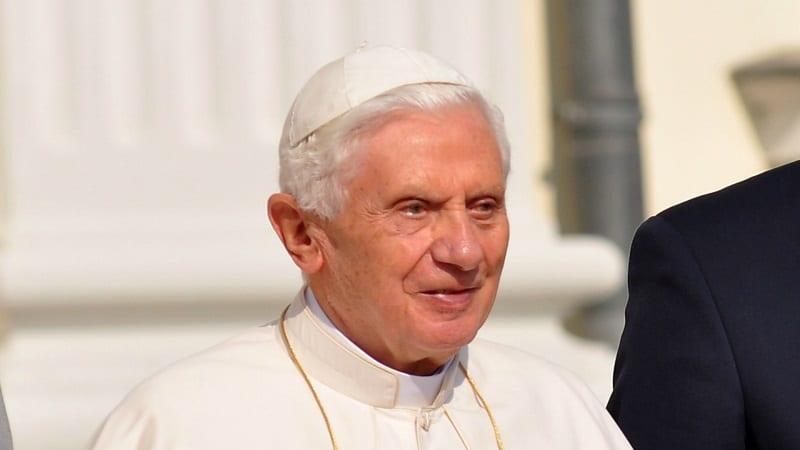 VATICAN : LE PAPE ÉMÉRITE BENOÎT XVI EN DEUIL