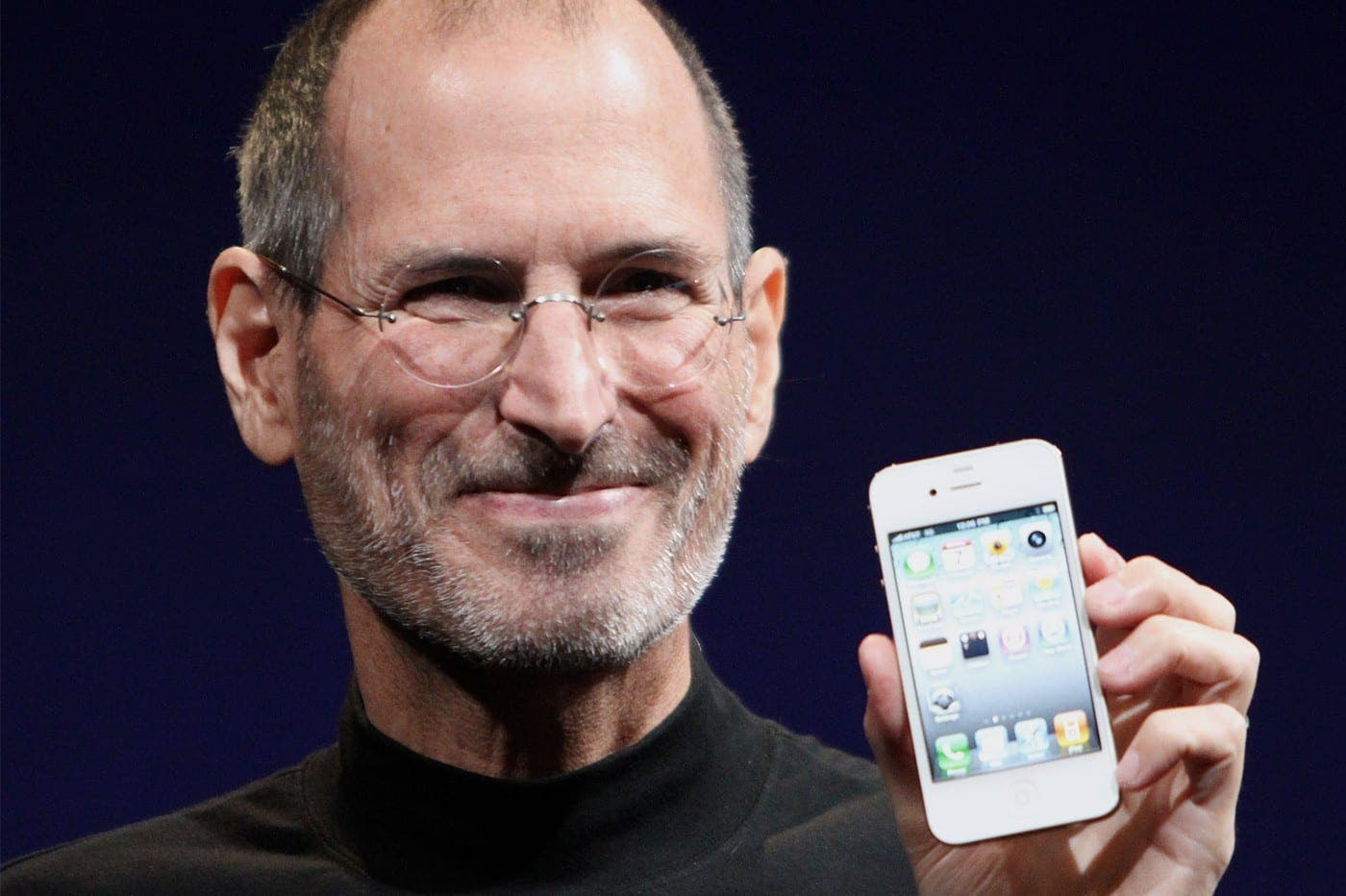 VOICI QUELQUES MAILS DE STEVE JOBS QUI EXPLIQUENT L'ATTITUDE D'APPLE ENVERS AMAZON